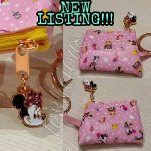 DISNEY PARKS MINNIE MOUSE COIN POUCH KEYCHAIN